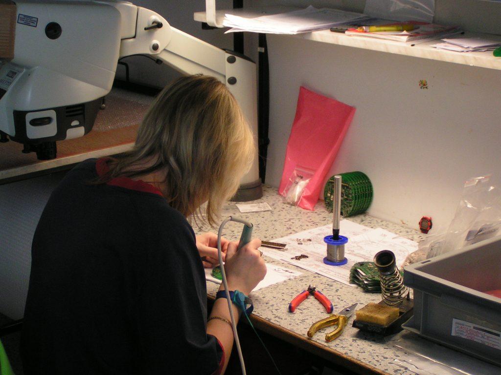 Handbestückung Leiterplatte